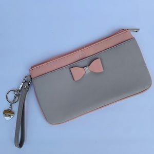 GUESS Pouch Wristlet Clutch, blush pink & grey